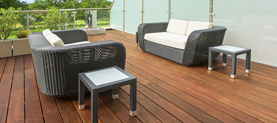 Ipe hardwood decking makes a bold statement in this outdoor deck