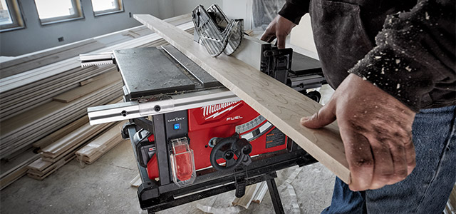 "Milwaukee Cordless 8-1/4"" Table Saw"