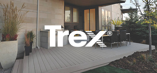 Trex Select backyard deck in Pebble