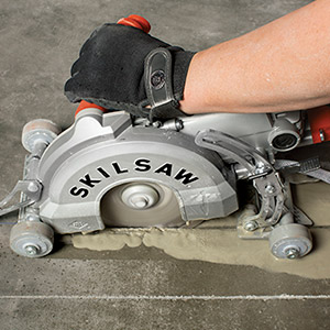 Skilsaw Medusaw wet sawing concrete floor